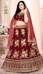 Stunning and Traditional Lehenga Choli at Heenastyle