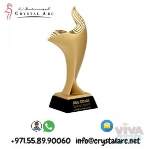 Crystal Trophy Suppliers for Insurance Company in Dubai