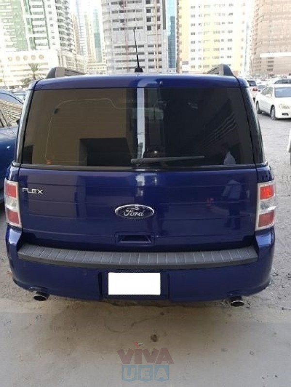 WELL MAINTAINED FORD FLEX CAR FOR SALE!!!